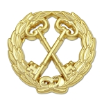 Wreathed Treasurer Keys Masonic Lapel Pin - [Gold][1 1/4'' Diameter]